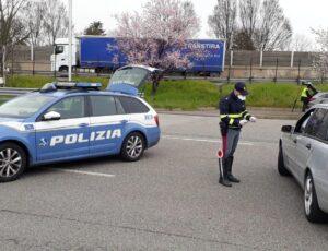 polizia-controllo-coronavirus-blocco-stradale